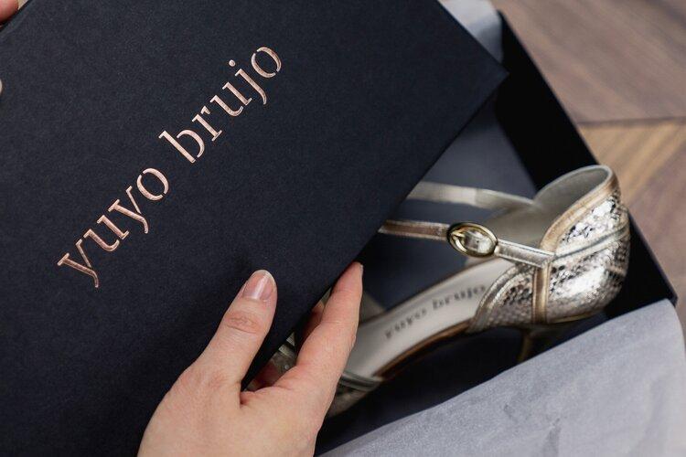 Tango shoes vs Latin shoes